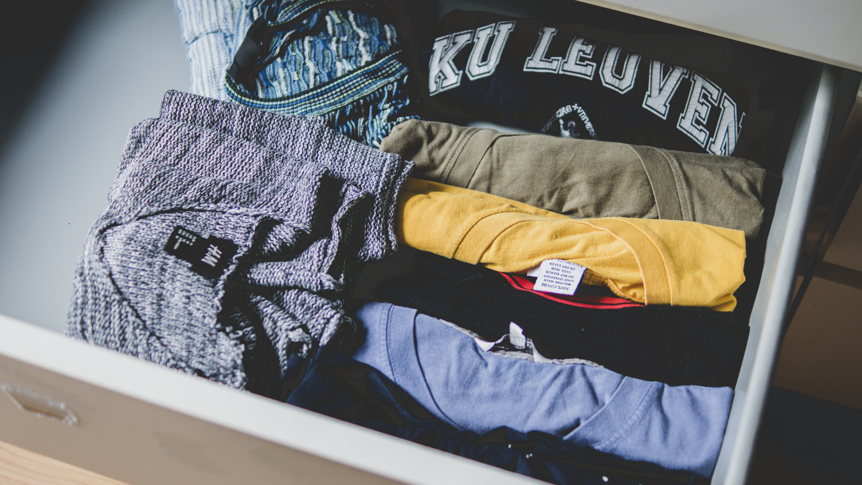 Nietypowe miejsca do przechowywania ubrań