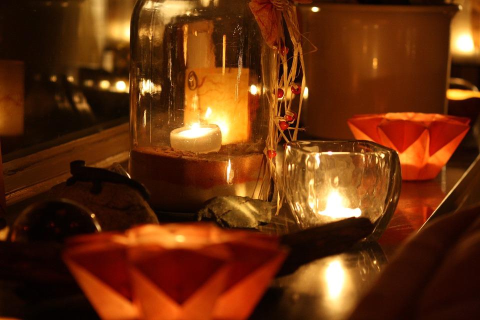 świeczki w domu