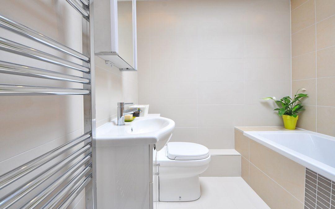 Mała łazienka – jakie meble łazienkowe warto kupić?