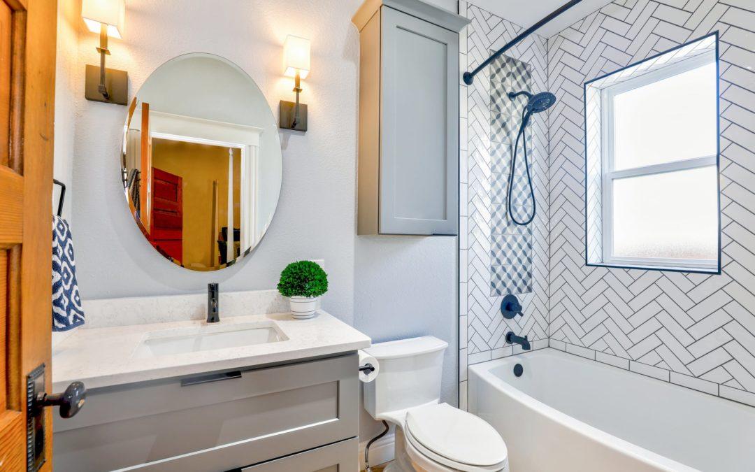 Co na ściany zamiast płytek – pomysły do niebanalnej łazienki